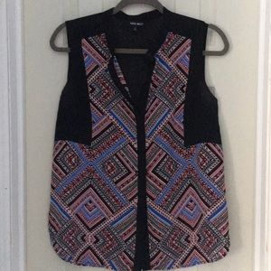 Nine West sleeveless button front blouse